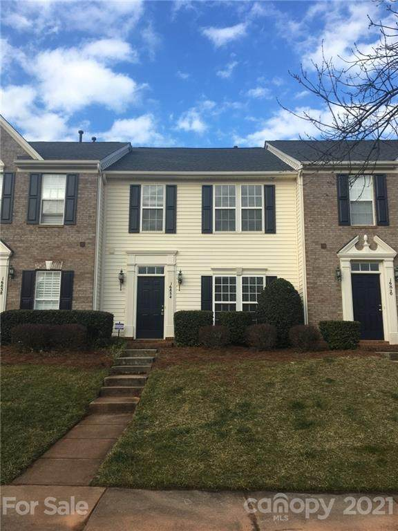 16854 Hugh Torance Parkway, Huntersville, NC 28078 (#3709394) :: Love Real Estate NC/SC