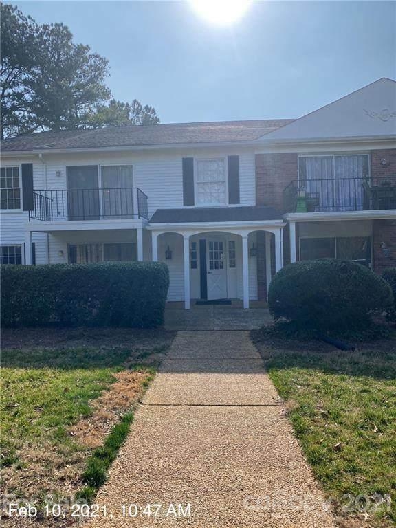 7101 Quail Meadow Lane, Charlotte, NC 28210 (#3709764) :: MartinGroup Properties