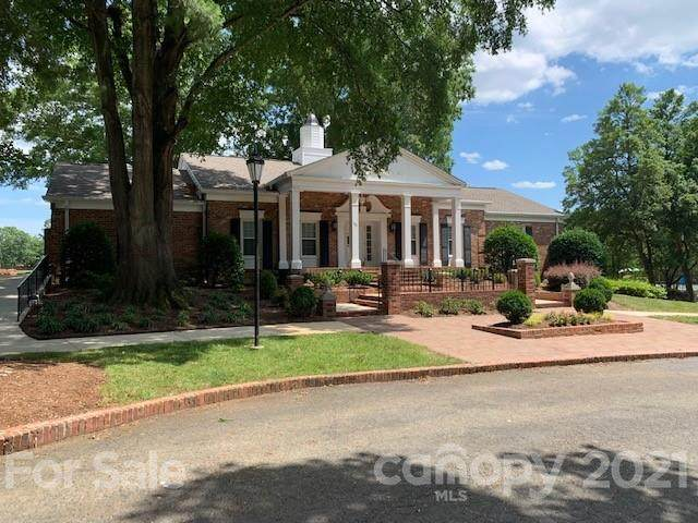 7306 Quail Meadow Lane, Charlotte, NC 28210 (#3710914) :: MartinGroup Properties