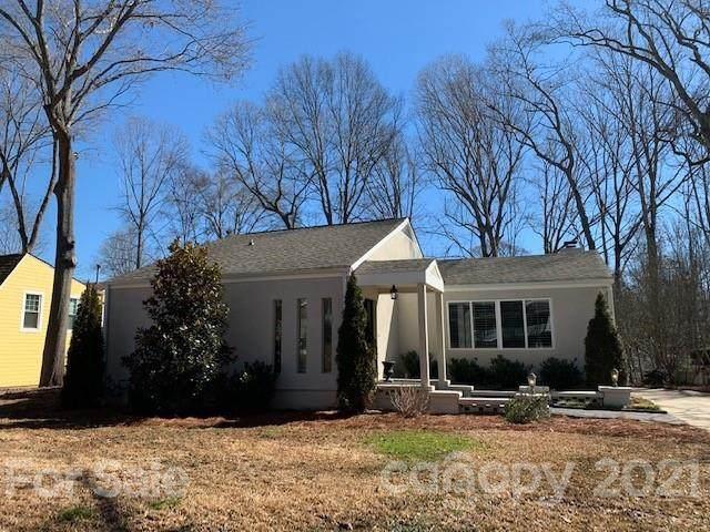 1817 Wandering Way Drive, Charlotte, NC 28226 (#3710940) :: Bigach2Follow with Keller Williams Realty