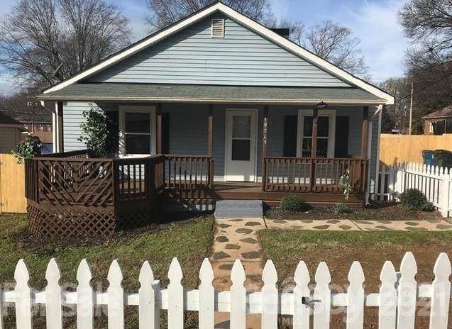 19705 Center Street, Cornelius, NC 28031 (#3713111) :: Love Real Estate NC/SC