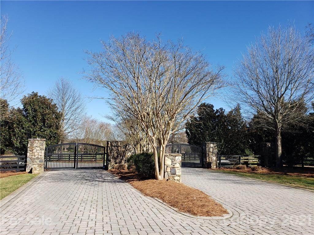 8626 Arbor Oaks Circle - Photo 1