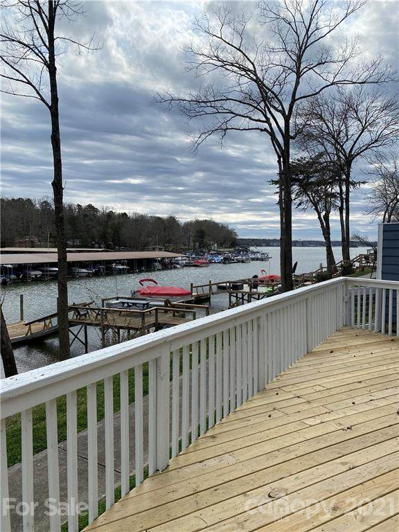 26008 Morningside Drive, Tega Cay, SC 29708 (#3718947) :: Lake Wylie Realty