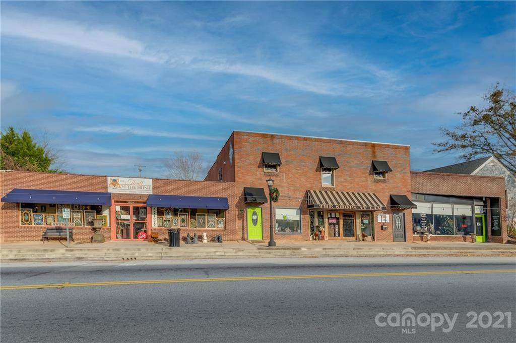 221 Rutherford Street - Photo 1