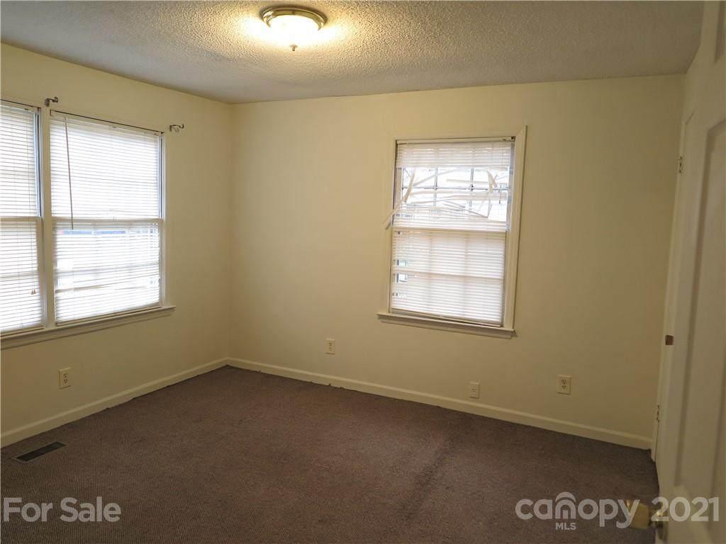 405 Vance Street - Photo 1