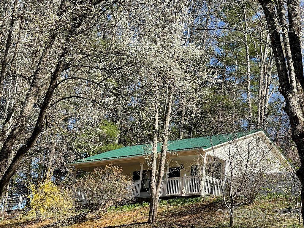 1811 Creekside Place - Photo 1