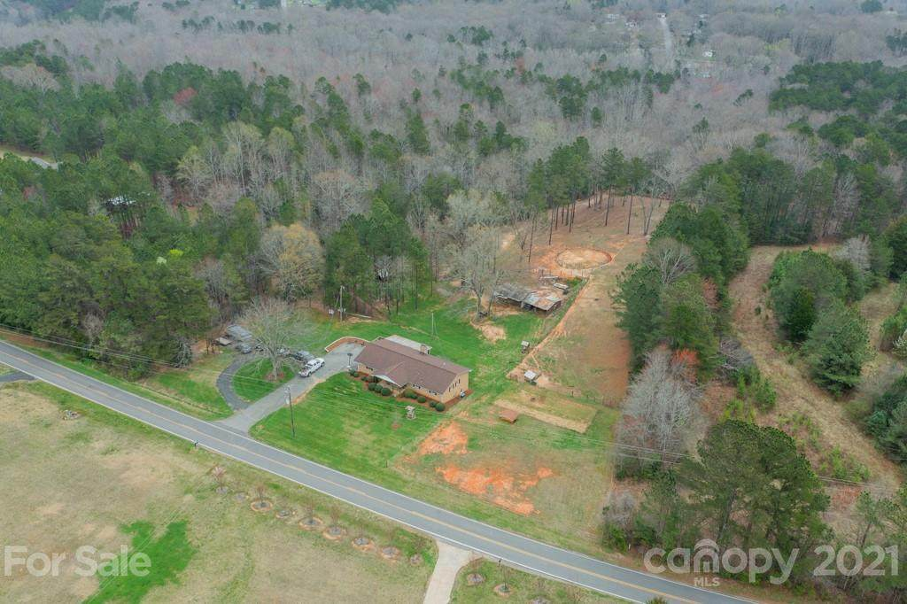 1804 Mayberry Road - Photo 1