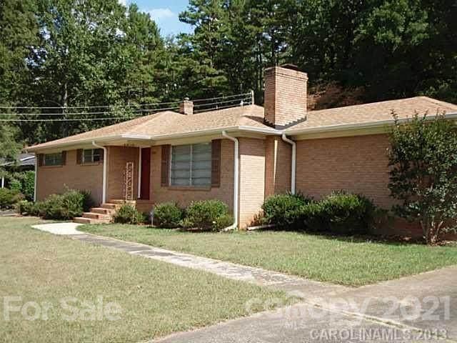 6740 Linda Lake Drive, Charlotte, NC 28215 (#3722165) :: Rhonda Wood Realty Group