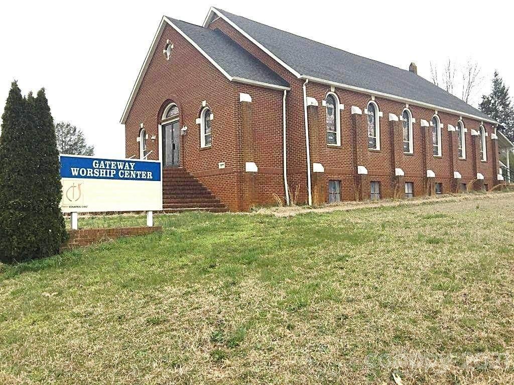 5688 Reid Road - Photo 1