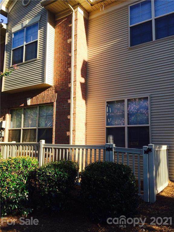 6525 Quarterbridge Lane, Charlotte, NC 28262 (#3723091) :: MartinGroup Properties