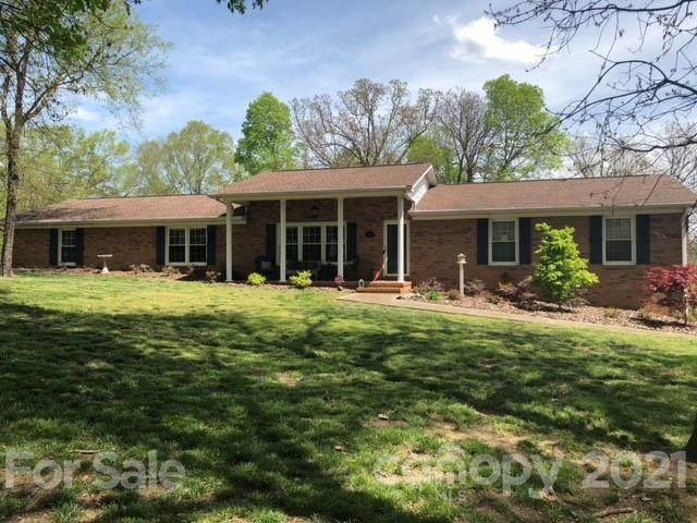 5125 Rocky River Road, Concord, NC 28025 (#3725398) :: Rowena Patton's All-Star Powerhouse
