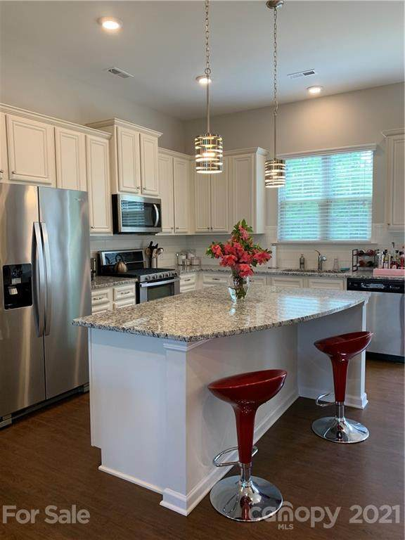 832 Imperial Court, Charlotte, NC 28273 (#3726531) :: Carlyle Properties