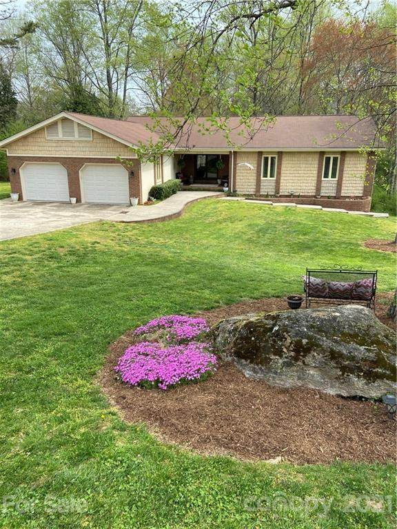 3742 10th Street Drive, Hickory, NC 28601 (#3726925) :: High Performance Real Estate Advisors