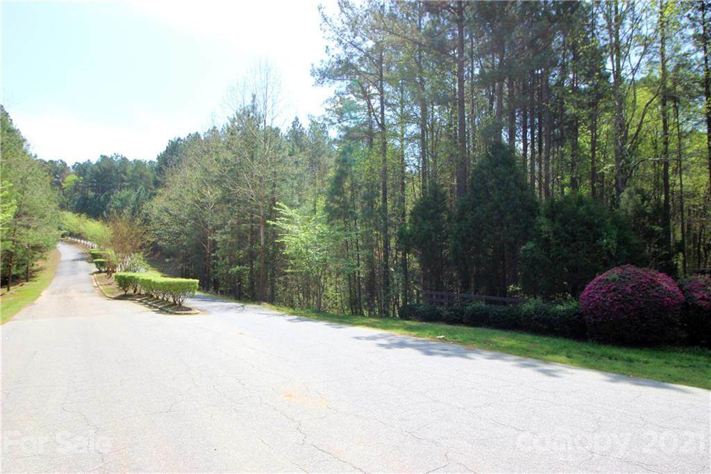 190 Windingwood Drive - Photo 1