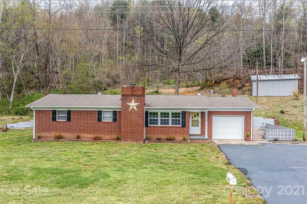 3323 Blowing Rock Boulevard - Photo 1