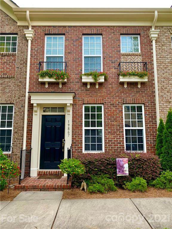 19867 Lamp Lighters Way, Cornelius, NC 28031 (#3728573) :: Besecker Homes Team