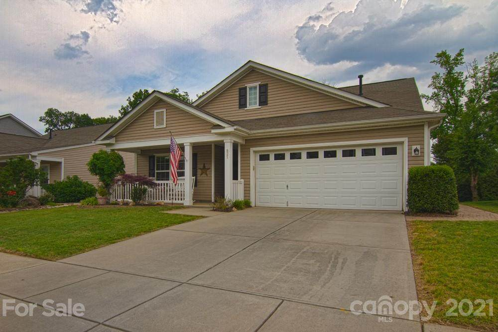 821 Traditions Park Drive - Photo 1