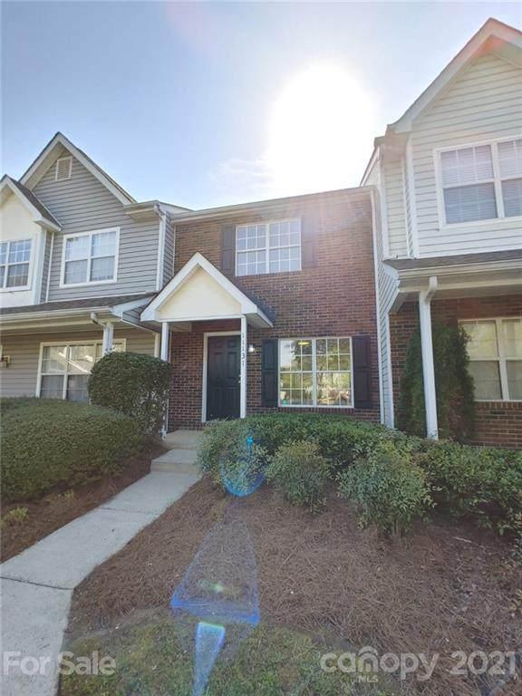 11131 Whitlock Crossing Court, Charlotte, NC 28273 (#3728813) :: Scarlett Property Group
