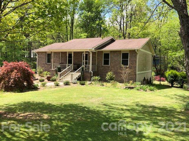 207 Stonebrook Drive, Hendersonville, NC 28791 (#3731140) :: MOVE Asheville Realty