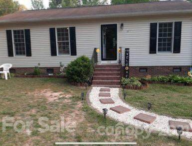 410 E Lee Avenue, Bessemer City, NC 28016 (#3731253) :: Stephen Cooley Real Estate Group