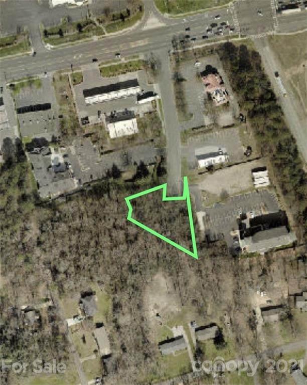 5329 Johoy Drive, Charlotte, NC 28216 (#3733630) :: Carlyle Properties
