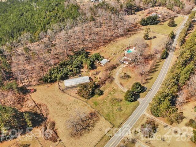 5860 Nc 9 Highway, Tryon, NC 28782 (#3734163) :: Burton Real Estate Group