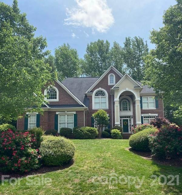 3034 Savannah Hills Drive, Matthews, NC 28105 (#3736098) :: Scarlett Property Group