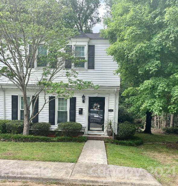1033 E Meadow Drive A, Lancaster, SC 29720 (#3736405) :: Johnson Property Group - Keller Williams