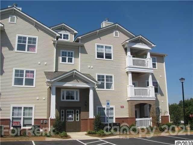 19866 Deer Valley Drive, Cornelius, NC 28031 (#3736684) :: Cloninger Properties
