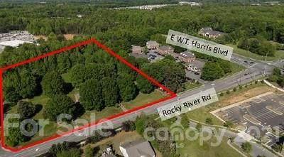 2001 Rocky River Road, Charlotte, NC 28213 (#3737033) :: Ann Rudd Group