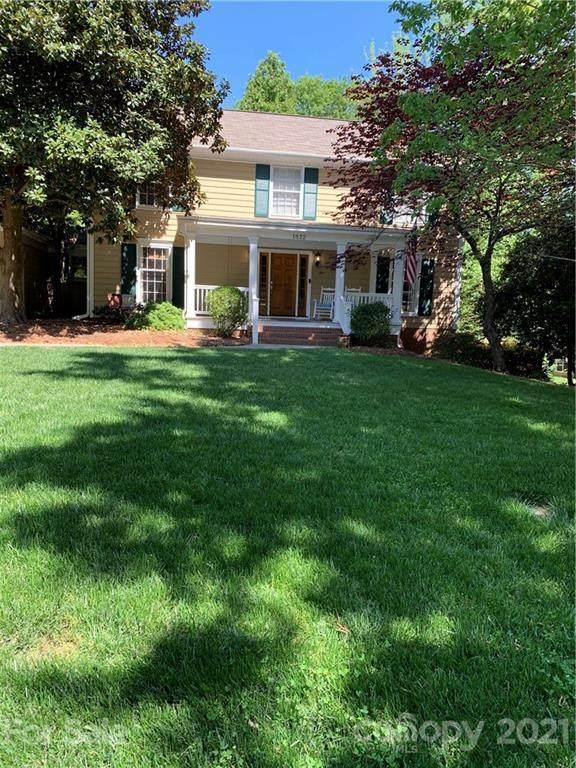 1822 Manor Mill Road, Charlotte, NC 28226 (#3737502) :: Willow Oak, REALTORS®