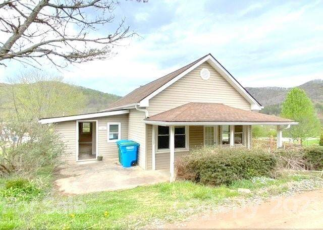 20 Mount Pisgah Church Road, Candler, NC 28715 (#3737586) :: Keller Williams Professionals