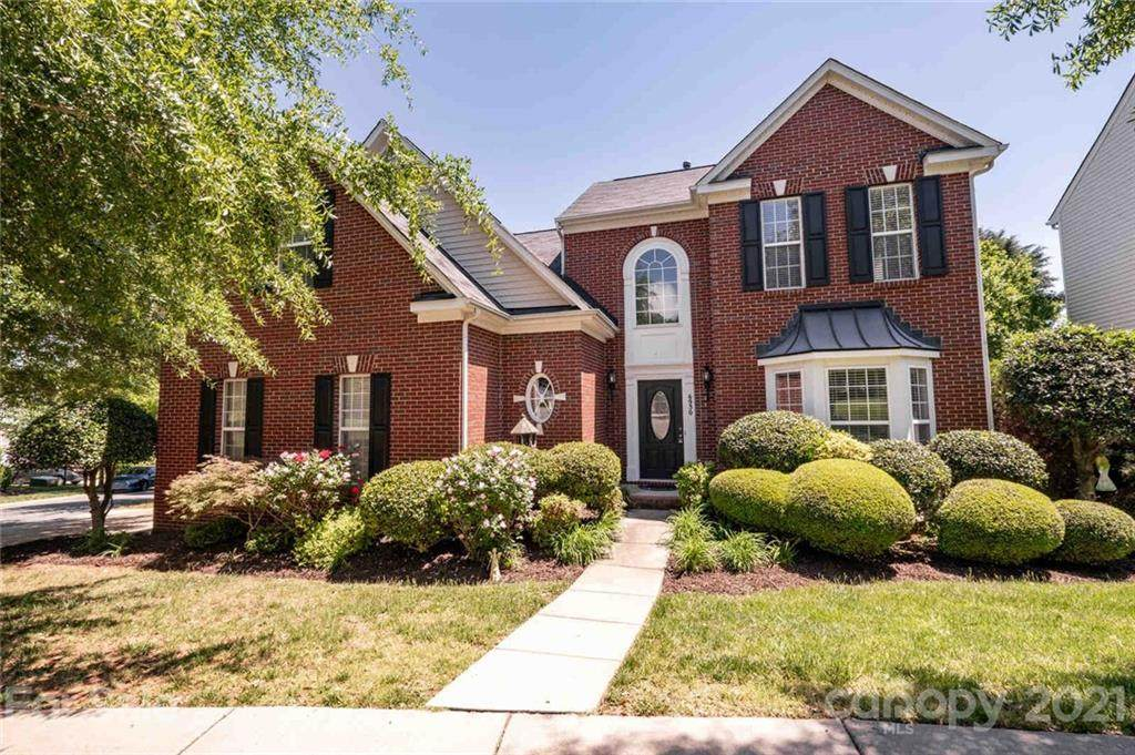 6930 Olmsford Drive - Photo 1