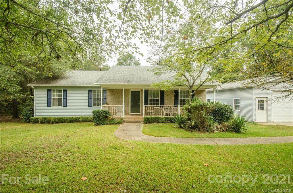 2033 Forest Creek Drive - Photo 1
