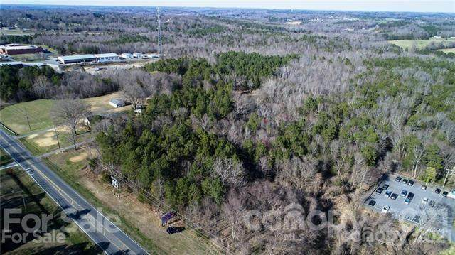 3755 Highway 601 Highway S, Concord, NC 28025 (#3739050) :: BluAxis Realty