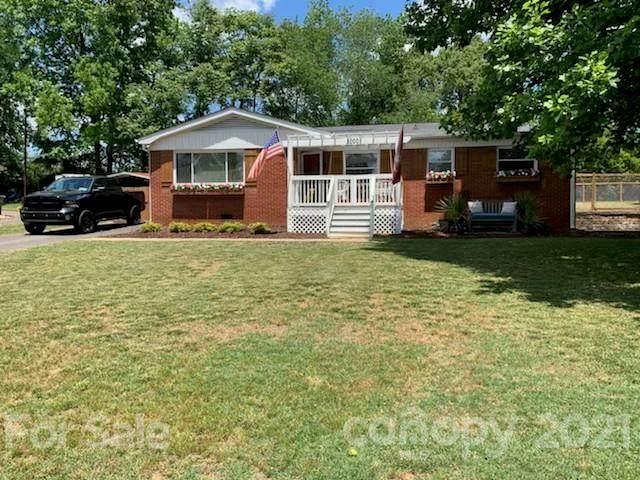 1000 Robinhood Lane, Kannapolis, NC 28081 (#3740584) :: SearchCharlotte.com