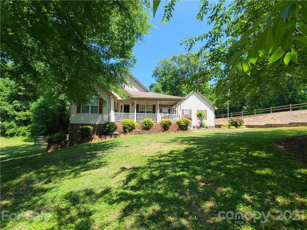 610 Woodend Drive - Photo 1