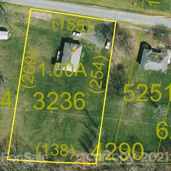 568 Old Us 19E Highway, Spruce Pine, NC 28777 (#3743140) :: SearchCharlotte.com