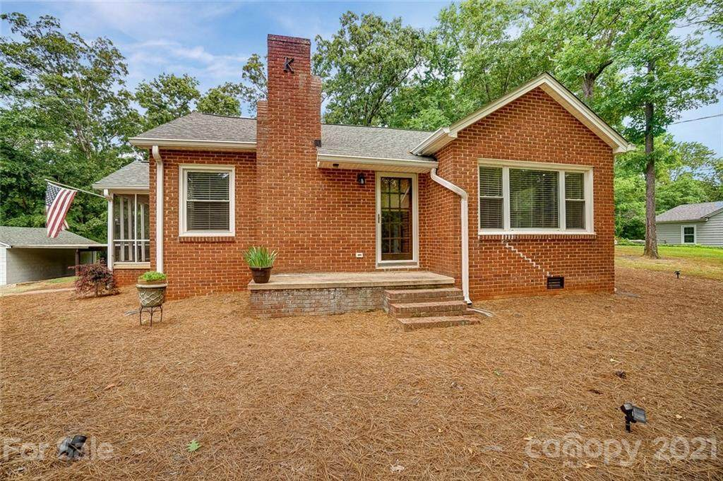 1488 Armstrong Ford Road - Photo 1