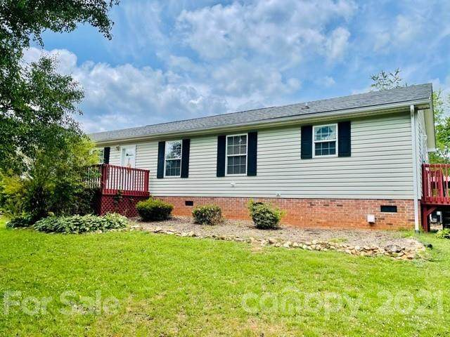 1828 Pine Hollow Place - Photo 1