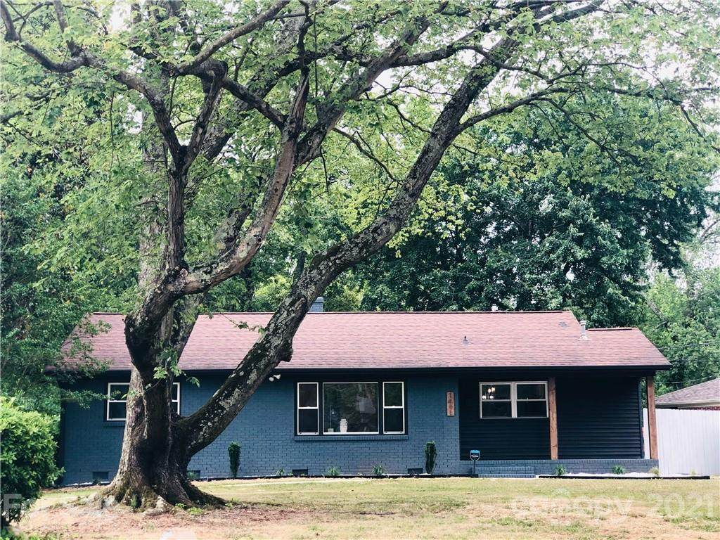 1401 Shannonhouse Drive - Photo 1