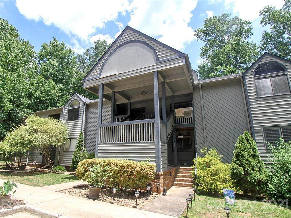 1590 Springpoint Road - Photo 1