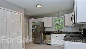 3000 Markland Drive, Charlotte, NC 28208 (#3748904) :: Cloninger Properties