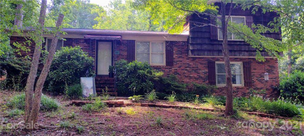 821-823 Oak Street - Photo 1