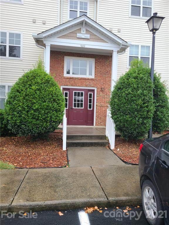 9881 Hyde Glen Court, Charlotte, NC 28262 (#3750136) :: Odell Realty