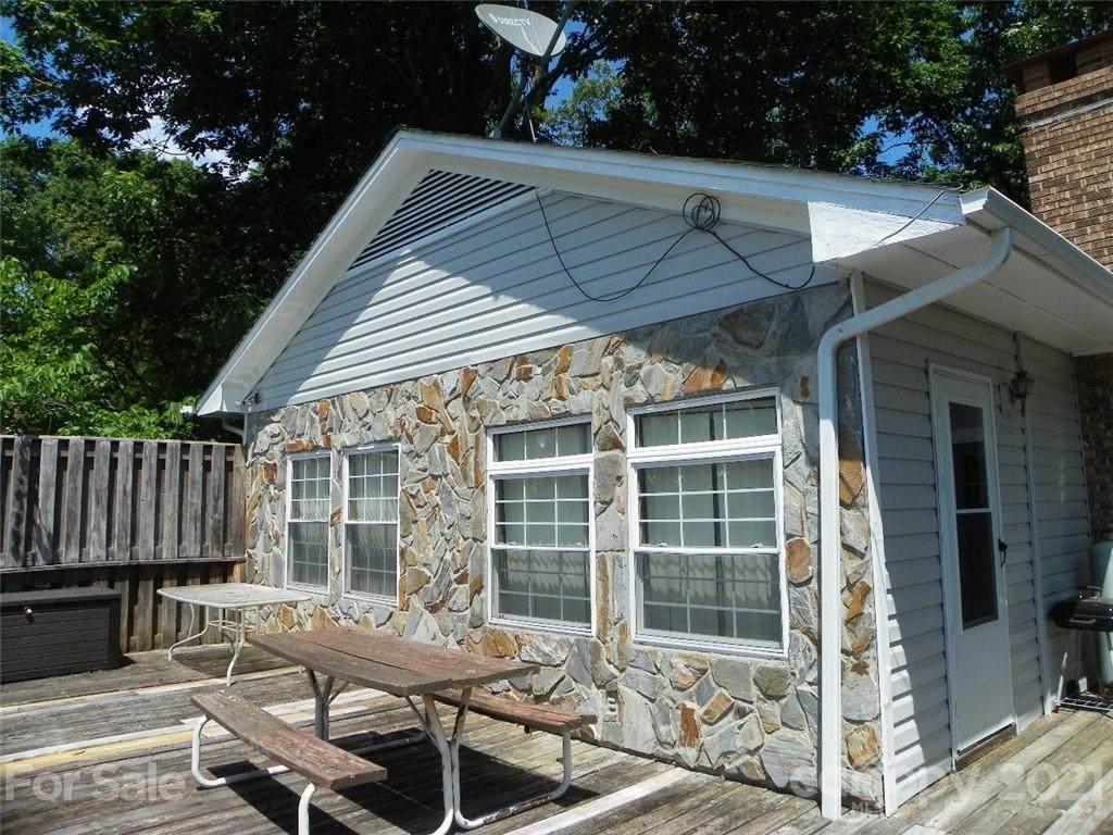482 Pinehaven Drive - Photo 1