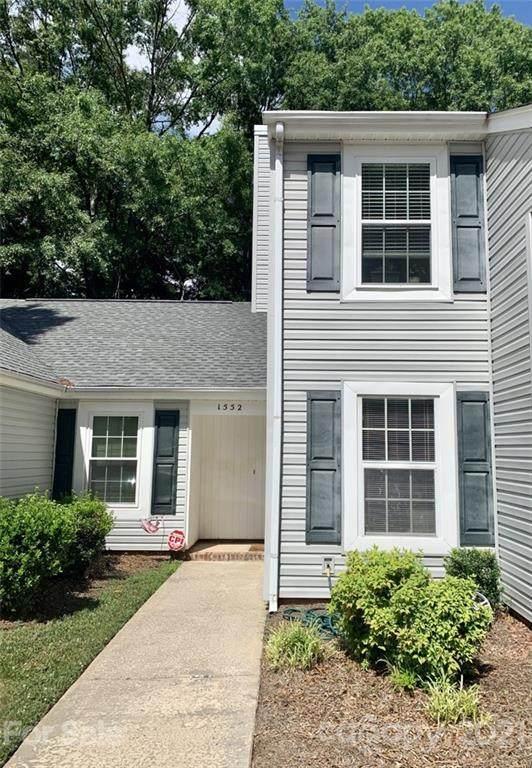 1552 Hunt Club Court, Rock Hill, SC 29732 (#3750802) :: Carolina Real Estate Experts