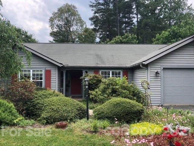 3 Tall Pines Road, Hendersonville, NC 28739 (#3751104) :: Besecker Homes Team