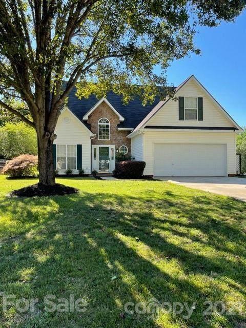 121 Summerwood Place, Waxhaw, NC 28173 (#3752902) :: Homes Charlotte