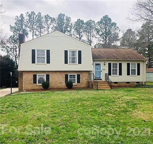 1539 Georgetowne Drive, Gastonia, NC 28054 (#3753956) :: MartinGroup Properties
